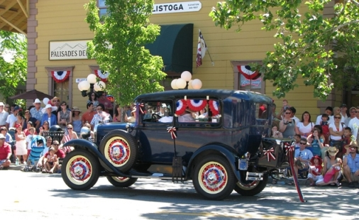 calistoga parade2 Celebrating 4th of July, 2013 in Napa Valley
